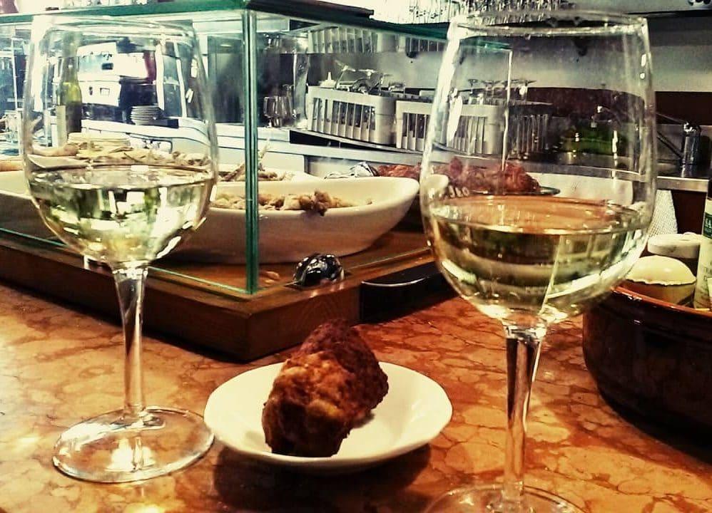 wine tasting in Osteria